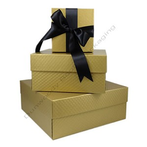 "Square Rigid Boxes - Gold Embossed - 19""x12-3/4""x4-1/4"" - Per 10"